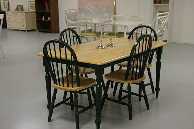 stylový nábytek ze dřeva